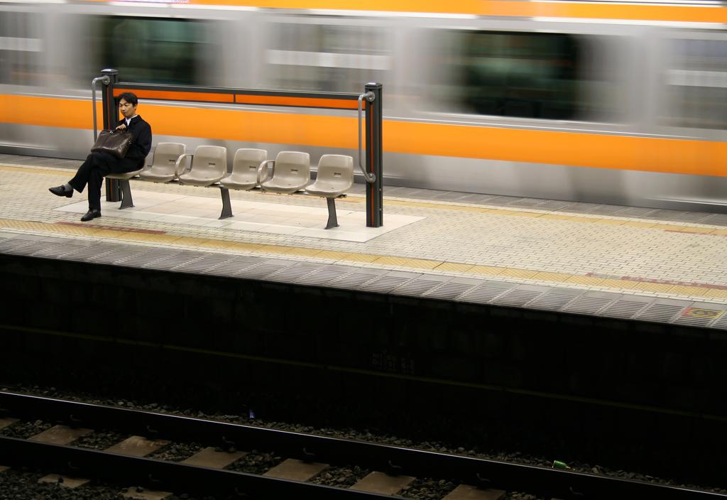 salaryman_train