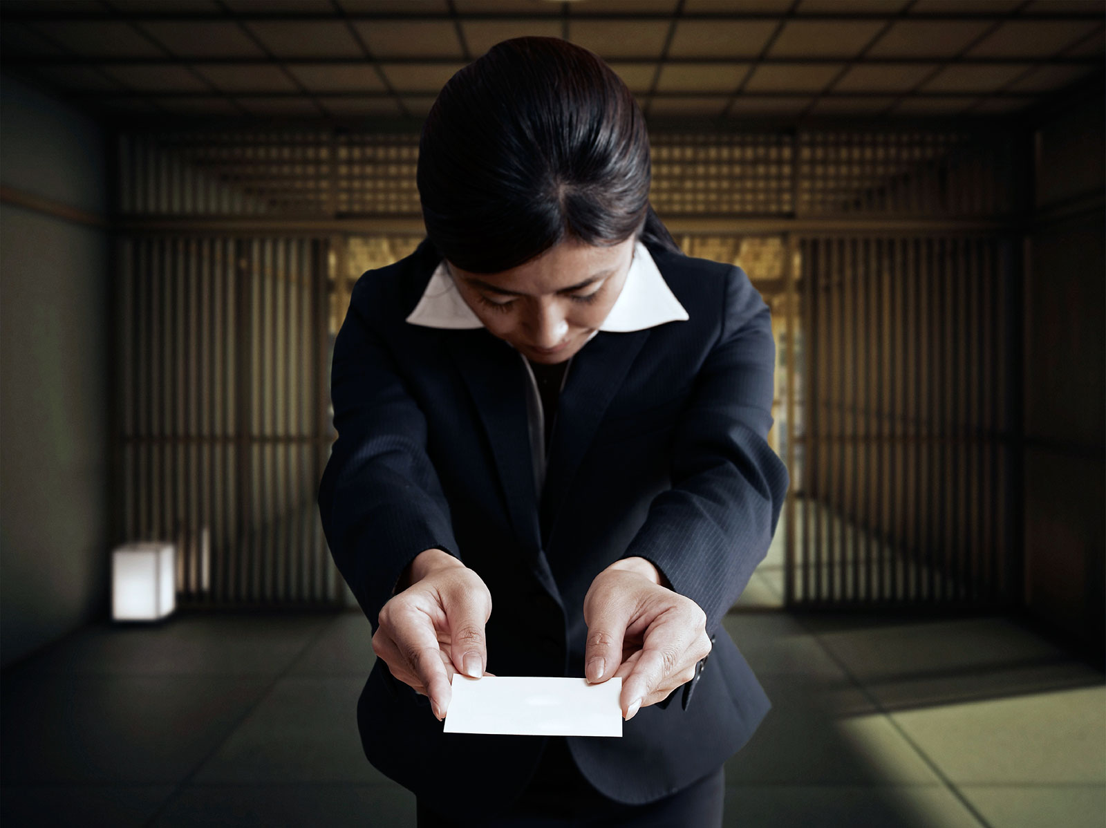 What You Need To Know About Exchanging Business Cards In Japan