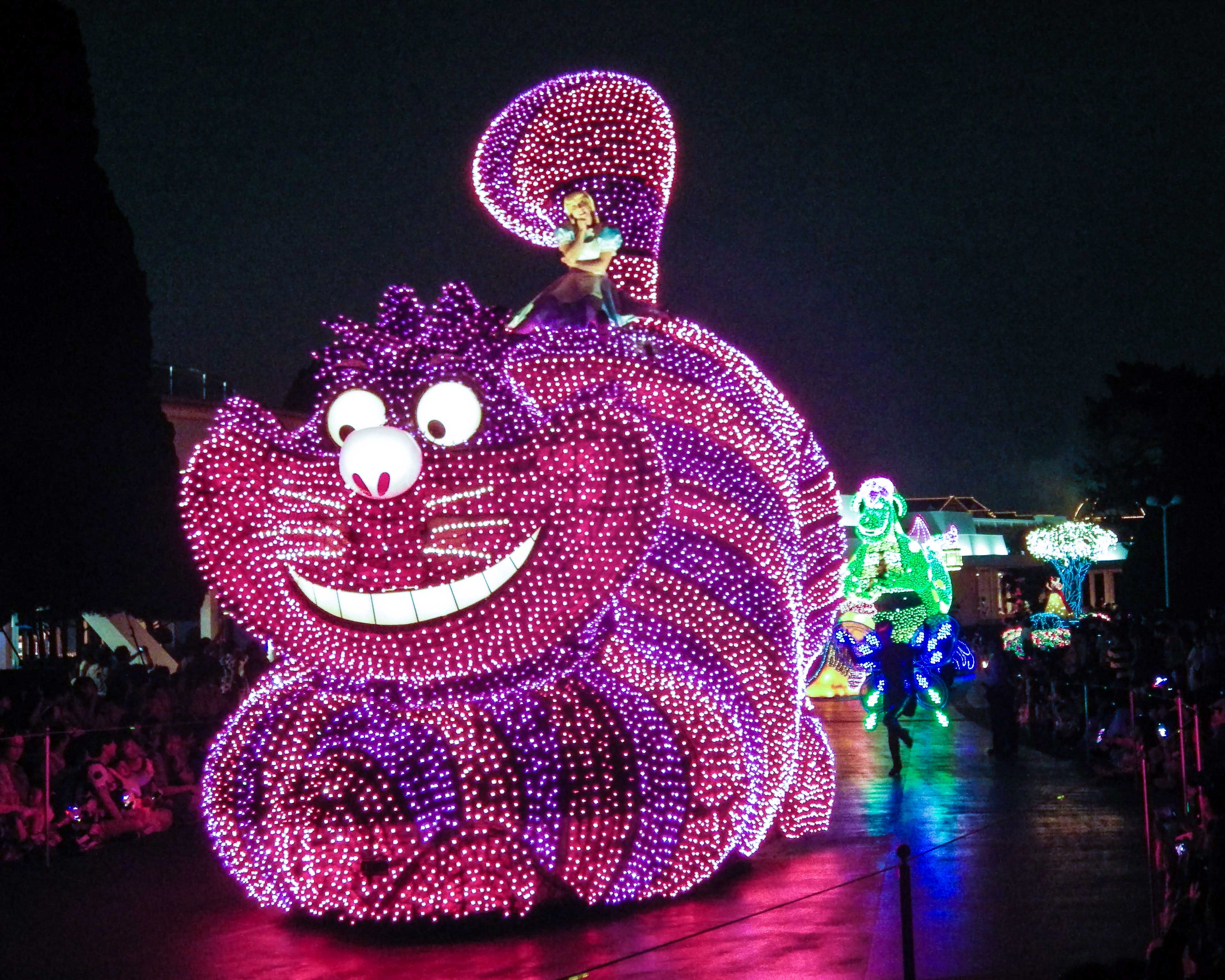 The Cheshire Cat float in the Tokyo Disneyland Electrical Parade.