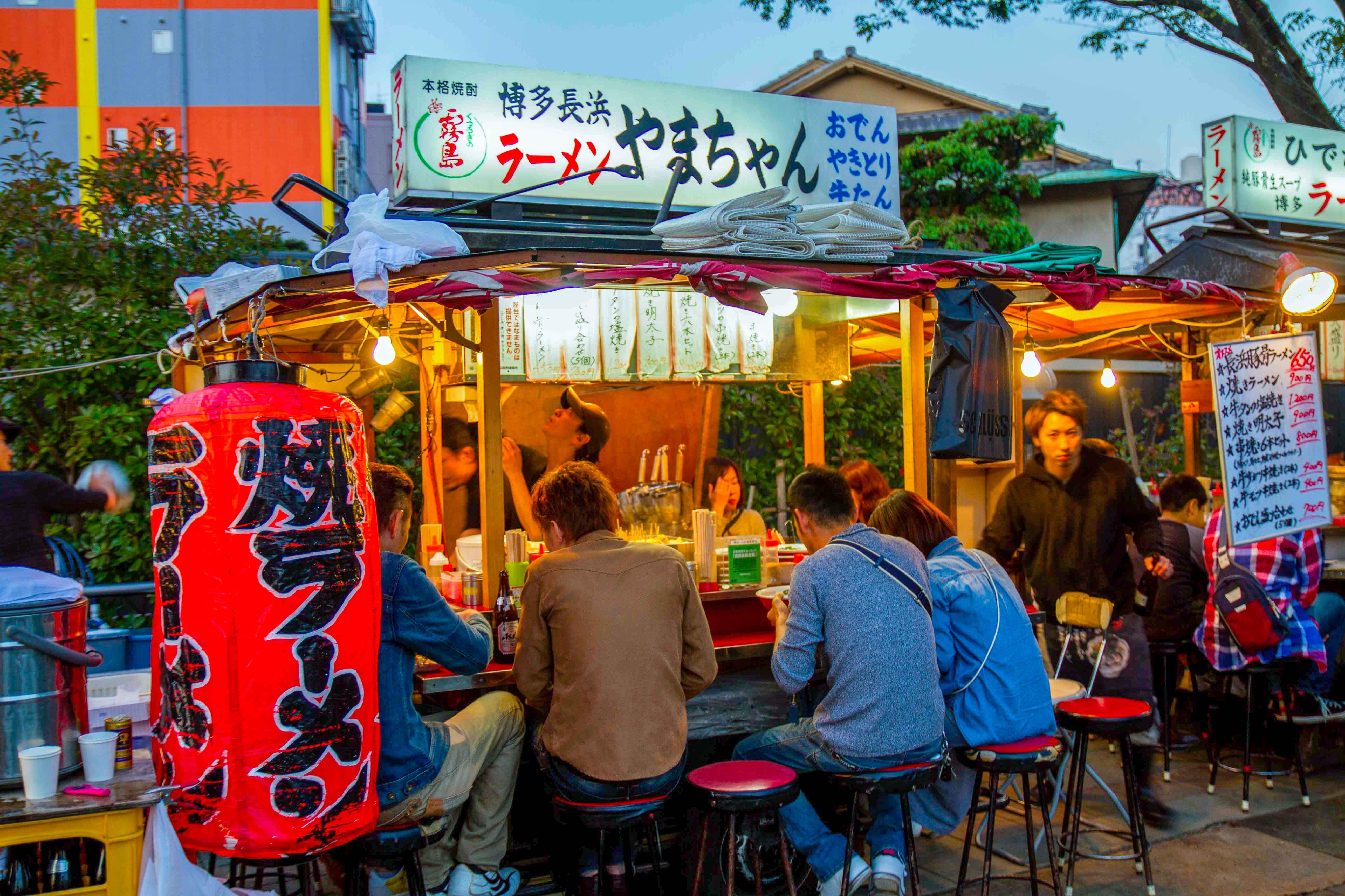 Ramen Yamachan food stall in Nakasu, Fukuoka.