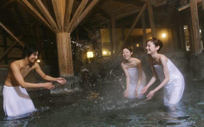 9 Onsen in Tohoku Where Men and Women Can Bathe Together