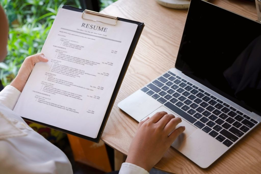 5 Tips to Ensure Your Resume Gets You the Interview in Japan